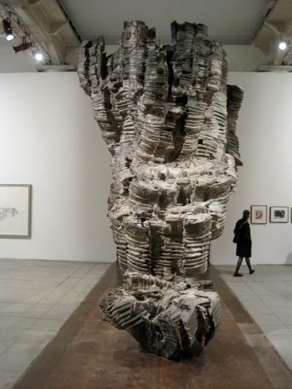 Roberto Cuoghi, Belinda, 2013. Sculpture, 450 x 400 x 315 cm.