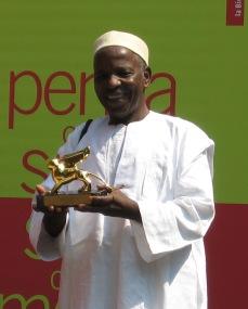 Malick Sidibé receiving the 52nd Venice Biennale Golden Lion for Lifetime Achievement. Photo: Christine Eyene