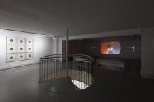 Works by Satch Hoyt, Spinnister series (left) and The Back Beat (right). Exhibition Resonances: Second Movement, Espace Croix-Baragnon. Photos Diane Arques / ADAGP, Paris, 2016.